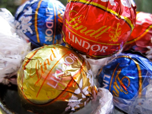 Image source: Lindt Chocolate Shop in Freeport Village Station, USA